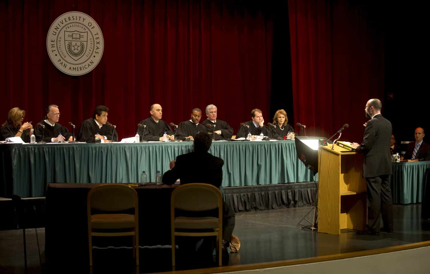 Dallas Appellate Lawyer Chad Ruback argues before the Texas Supreme Court